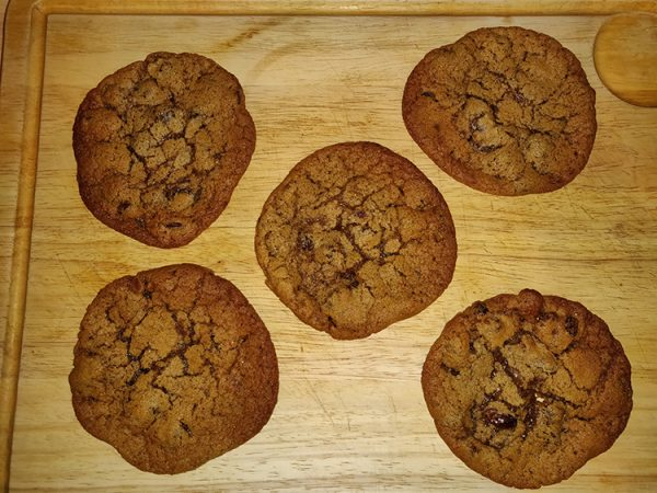 Cinnamon and sultana cold dough cookies